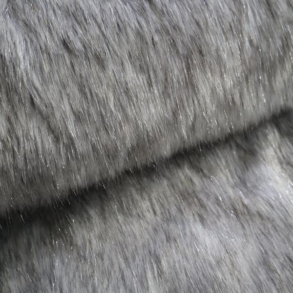 Kožušina sivá so strieborným vlasom